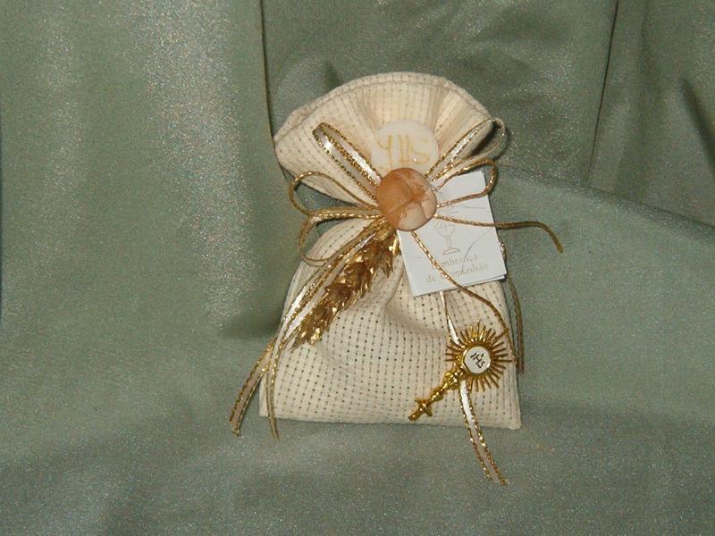 decorado com ostensório início c3247 saco quadrilé decorado com