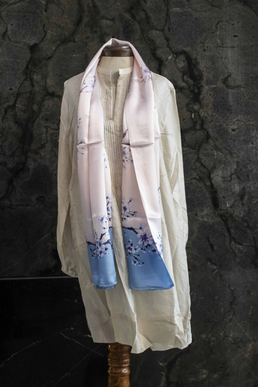 Pañuelo satin de seda rectangular estampado
