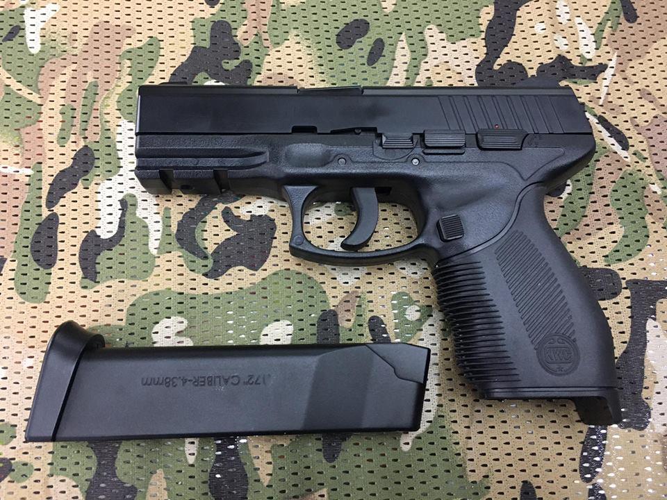 Pistola KWC 24/7 co2 cal. 4.5bbs