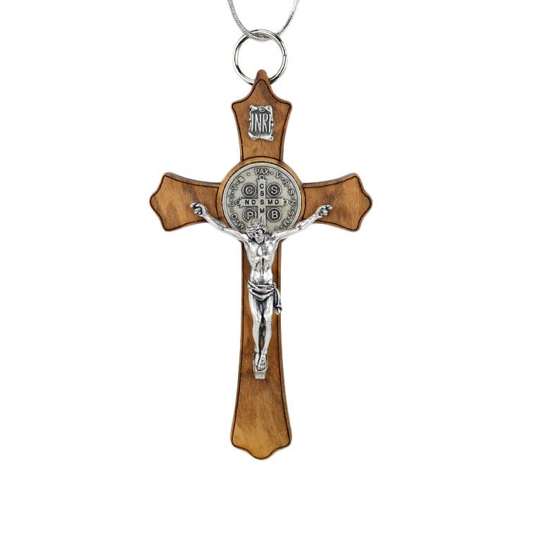 Crucifixo de São Bento em Madeira