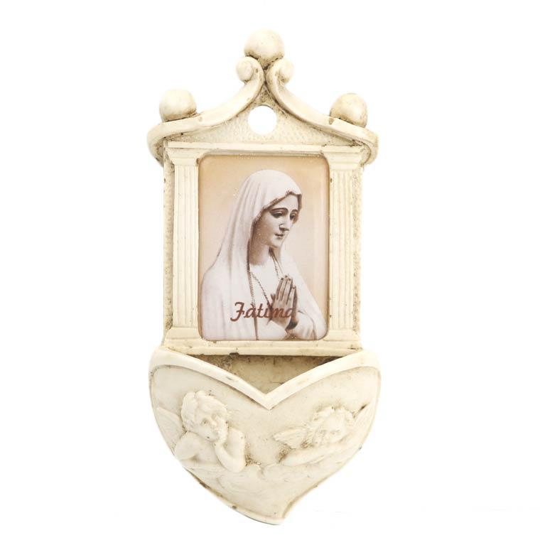 Pia com Nossa Senhora de Fátima