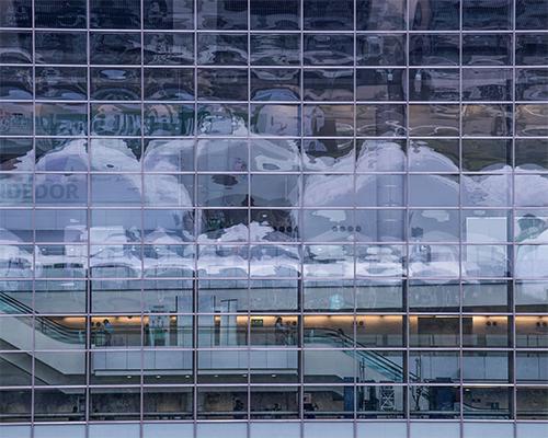 Nubes en el cristal