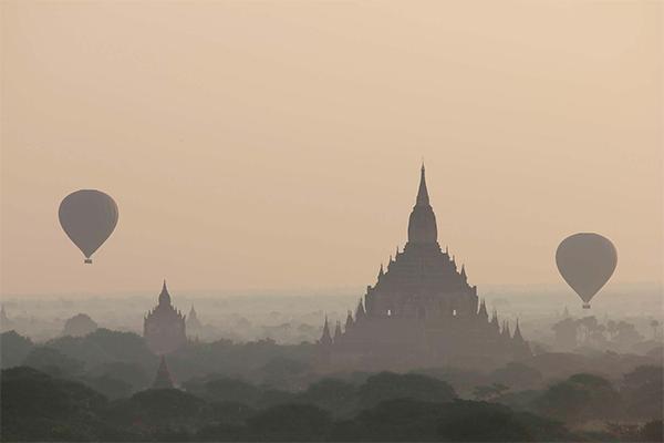 Amanecer en Bagan