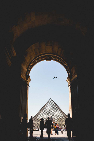 Pirámide del Museo do Louvre