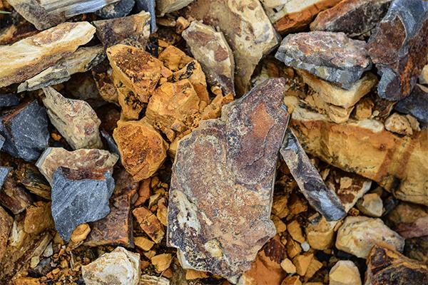 Piedras en colores