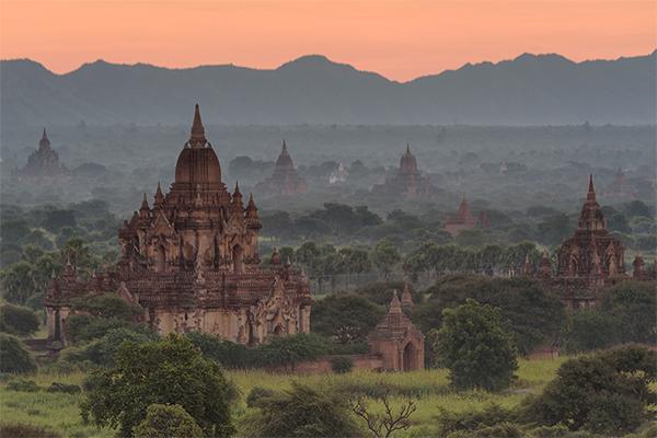 Bagan despierta