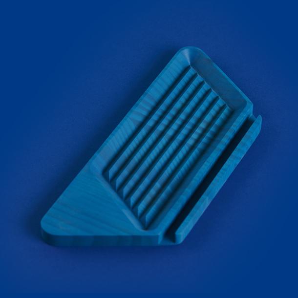 Tabla Esfero Triangular - image hover