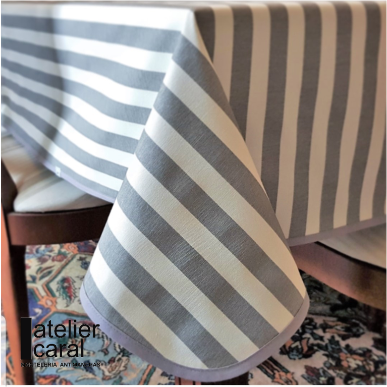 Mantel RAYAS en GRIS · Rectangular 12 Sillas