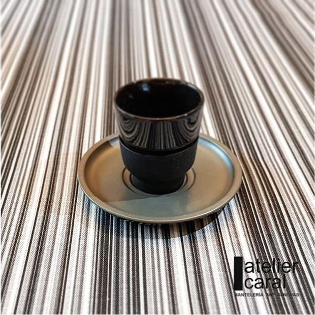 Mantel EUSKADI Negro ⚫ Redondo 6-8 Sillas
