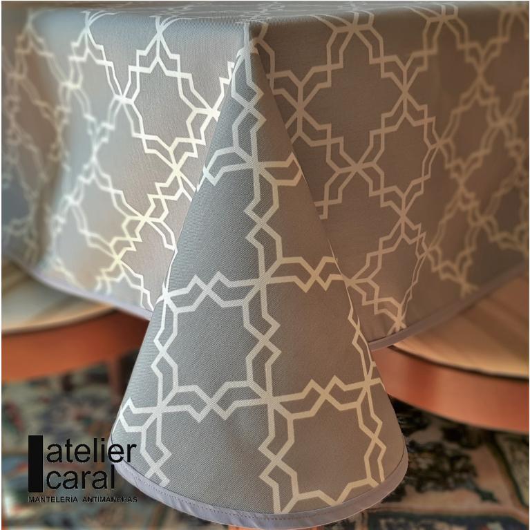 Mantel KHATAM GRIS ⬛ Cuadrado 4 Sillas