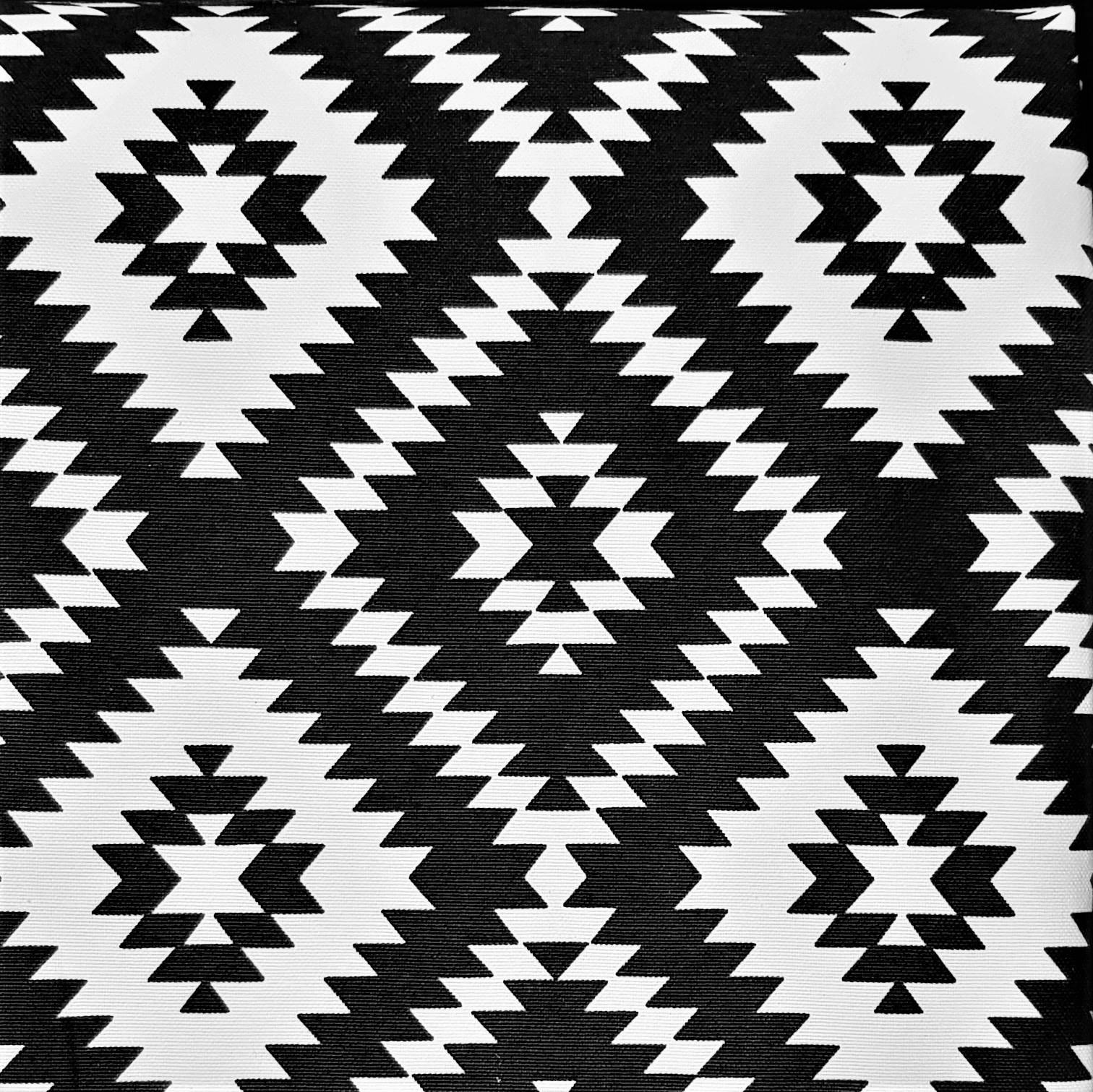 Mantel ÉTNICO NEGRO · Rectangular 6-8 Sillas