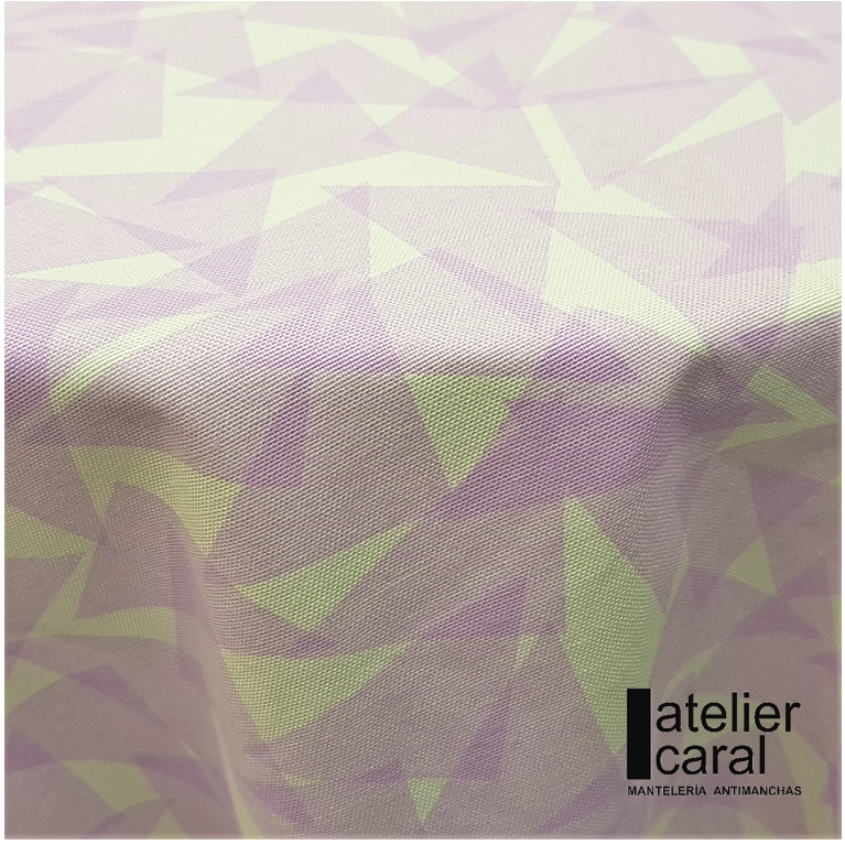 Mantel TRIÁNGULOS Lila Pastel · Rectangular 6 Sillas