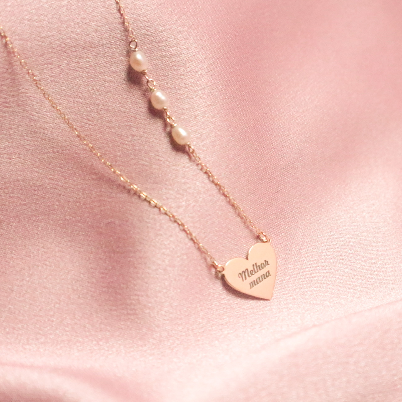 Heart engraved necklace