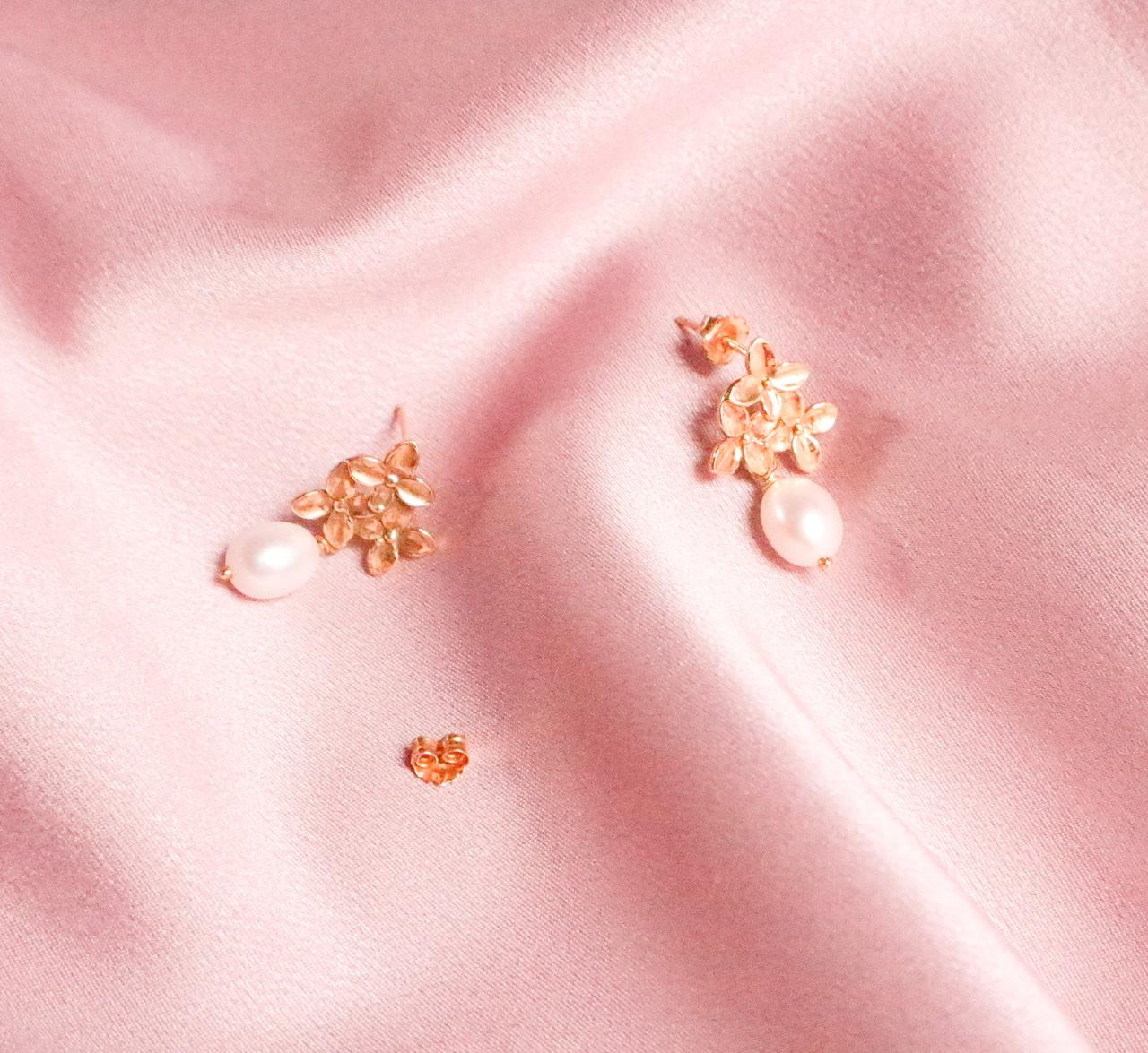 Brincos flor de cerejeira