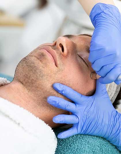 https://www.estetikamedica.cl/como-conseguir-rejuvenecimiento-facial
