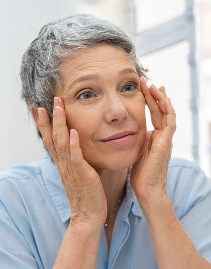 https://www.estetikamedica.cl/como-mejorar-la-flacidez-del-rostro