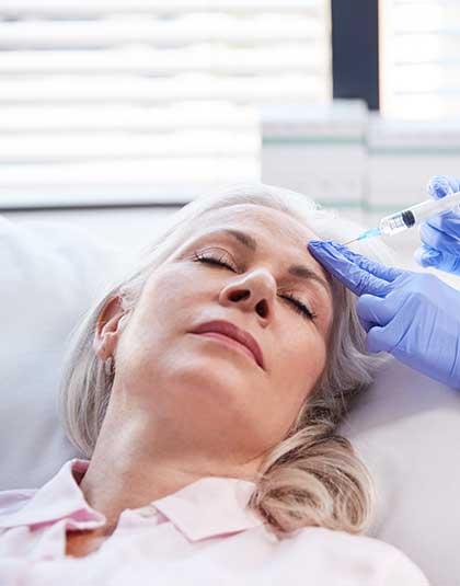 https://www.estetikamedica.cl/puedo-conseguir-rejuvenecimiento-facial-a-pesar-de-mi-edad