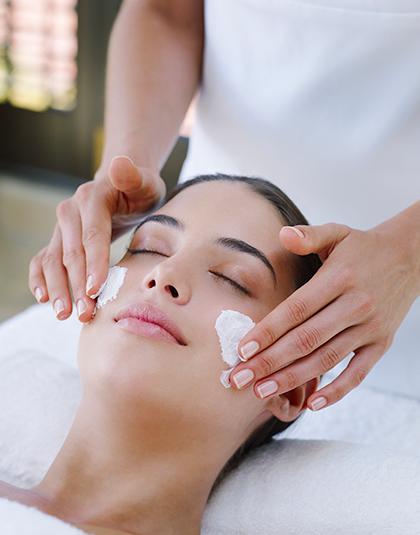 https://www.estetikamedica.cl/12-preguntas-al-experto-en-el-cuidado-de-la-piel