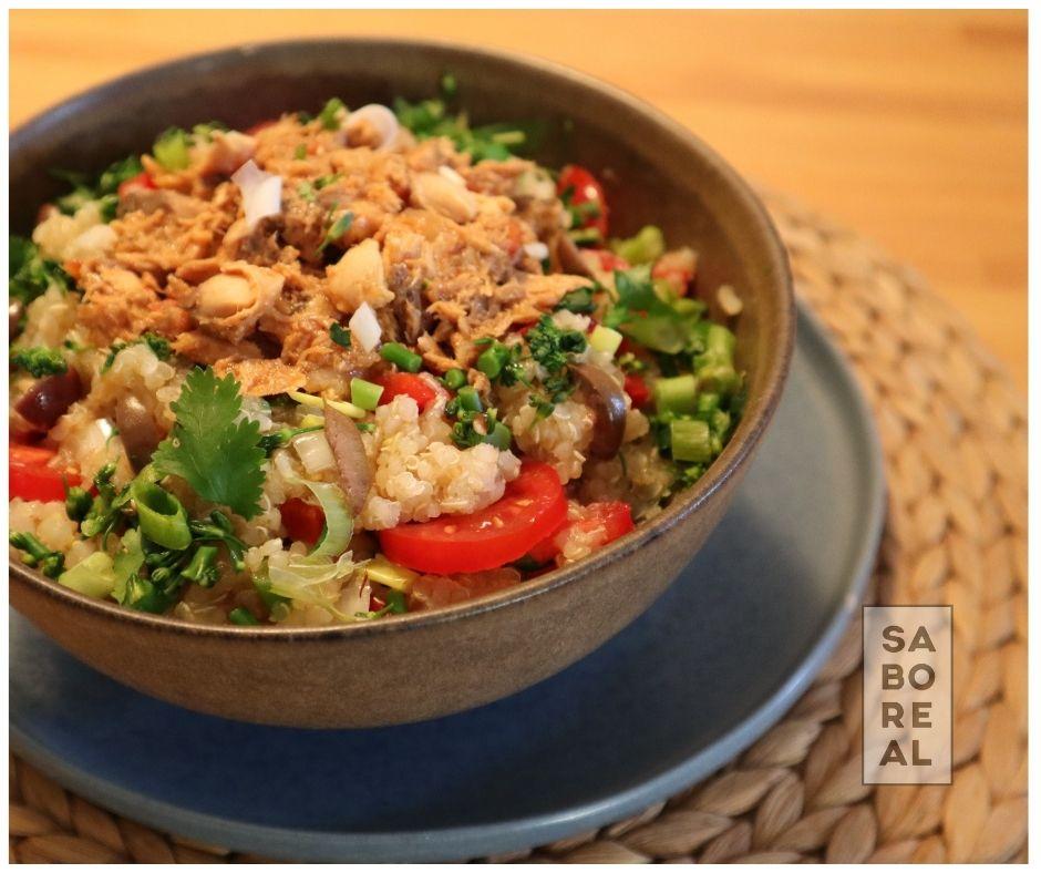 Quinoa salad with Petiscada