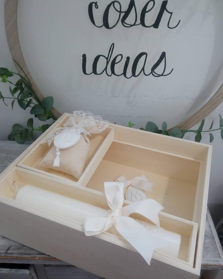 Caixa de madeira rectangular