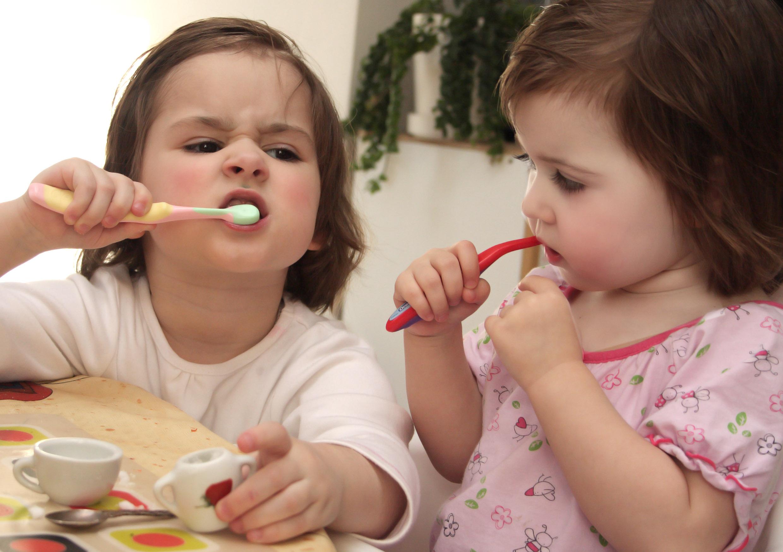 Caries de los dientes de leche, por que?