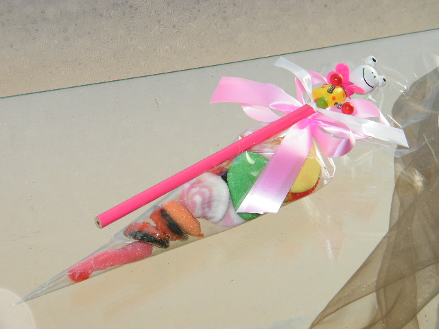 C2159 - Cone gomas com lápis