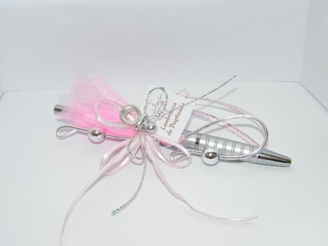 C11224 - Caneta prateada decorada em cor de rosa