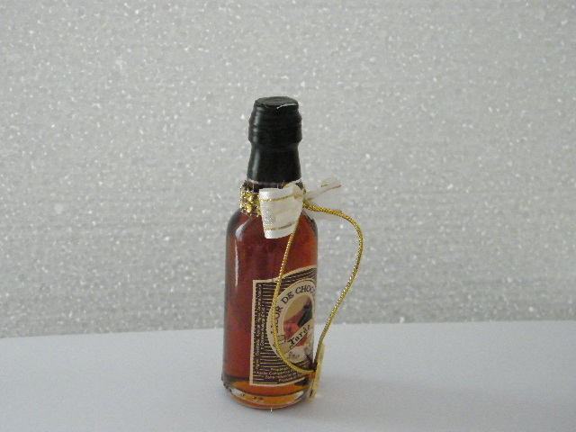 C14615 - Garrafinha licor de chocolate decorada com strass