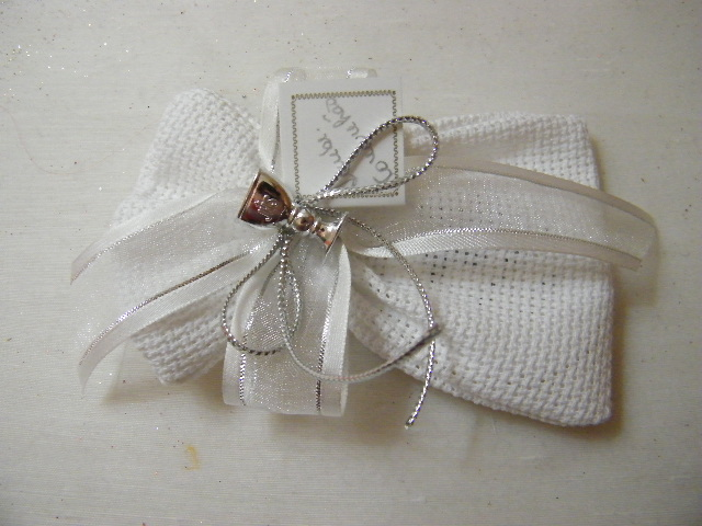 C15301 - Saco em tecido quadrilé com sabonete decorado em prata