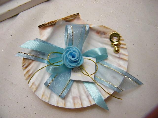 C15202 - Concha decorada em azul com flor e chupeta