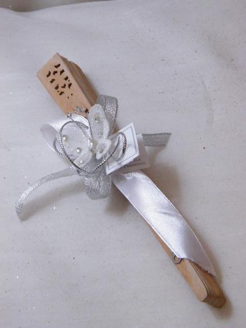 C15017 - Leque em madeira decorado em prata e branco com borboleta