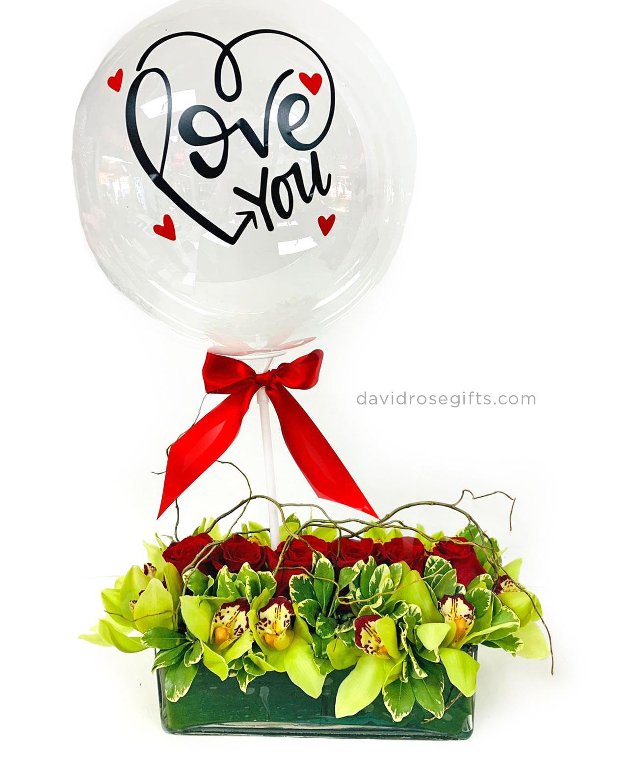 Rosas y Orquídeas c/ globo personalizado