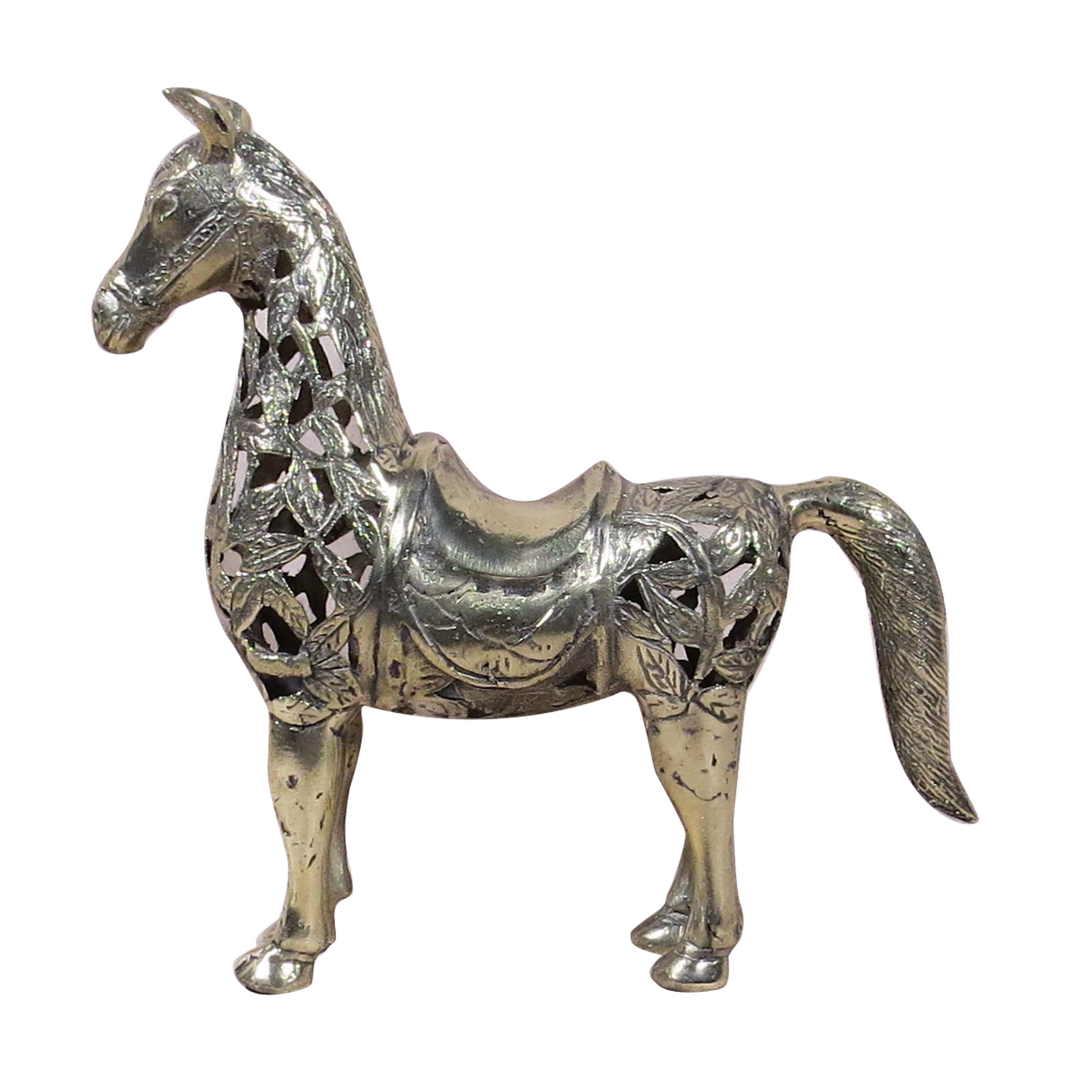 Caballo de bronce petizo