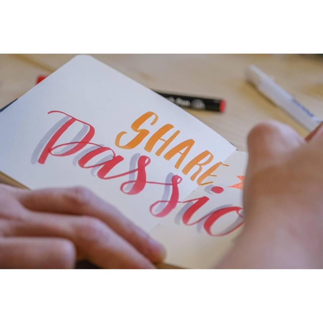 Sakura Sketch Note Book - Sketchbook Papel Blanco/Crema; 12 x 12 cm, 80 Hojas, 140 g/m2