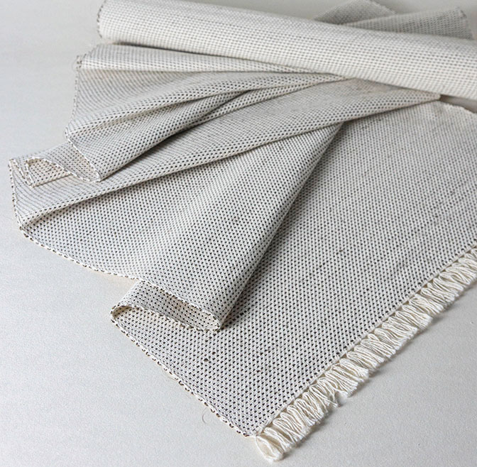 COLOMBIA DESIGN TABLE RUNNER