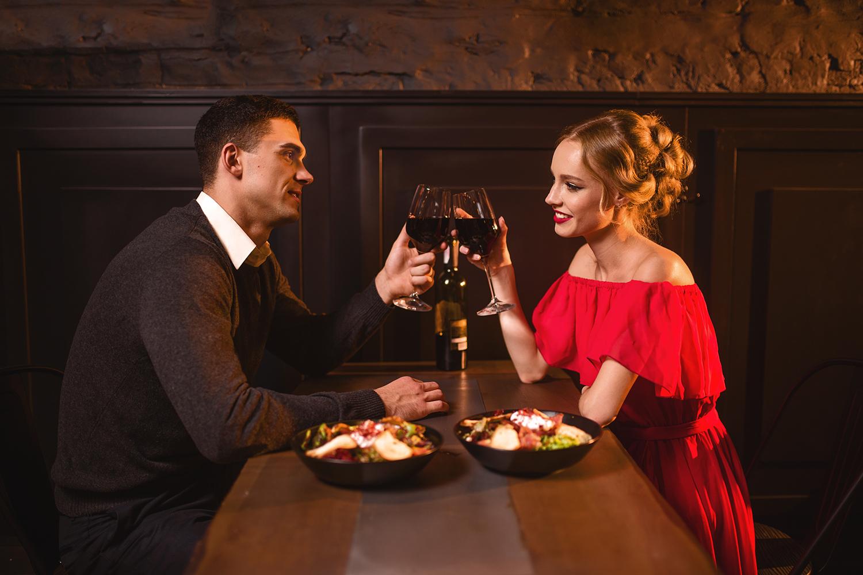 Os vinhos infalíveis para um encontro amoroso