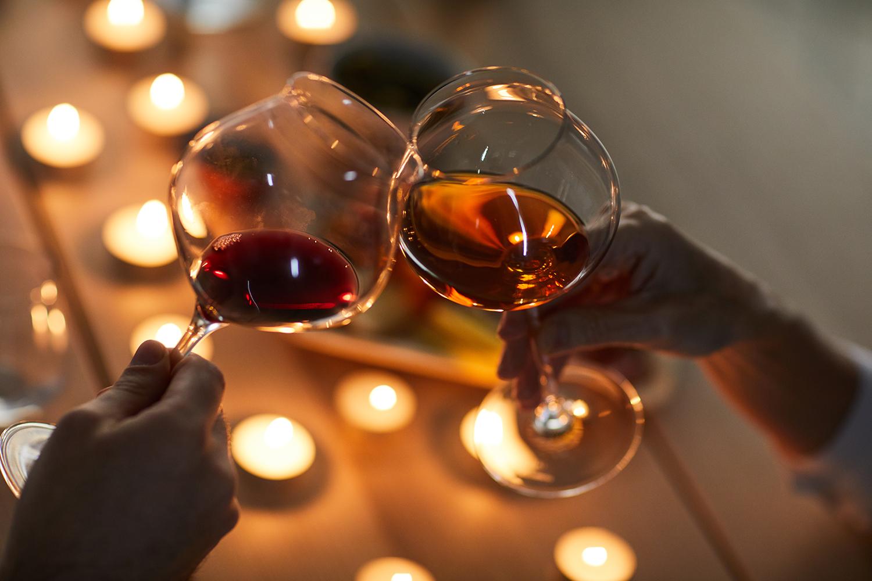 Qual a relação da luz com o sabor de um vinho?