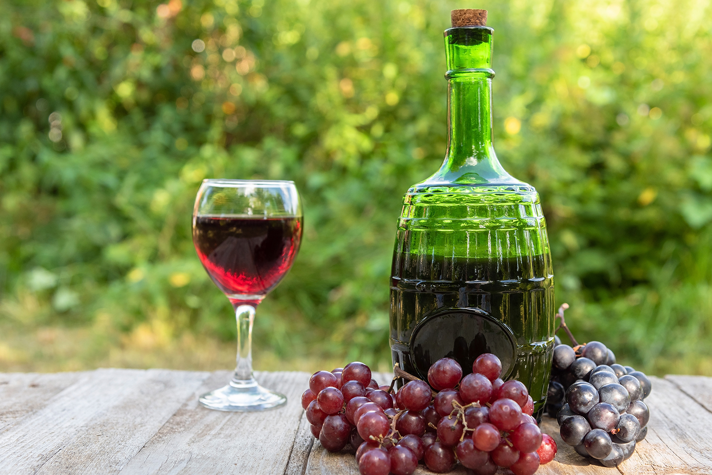 Fator produtivo: qual é a quantidade necessária de uvas para se obter uma garrafa de vinho?