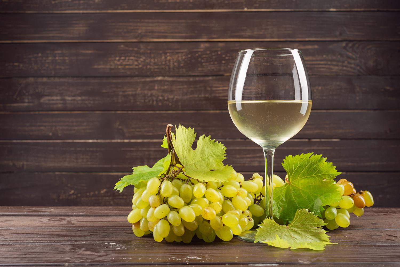 Diferenciando o vinho verde dos demais tipos de vinhos