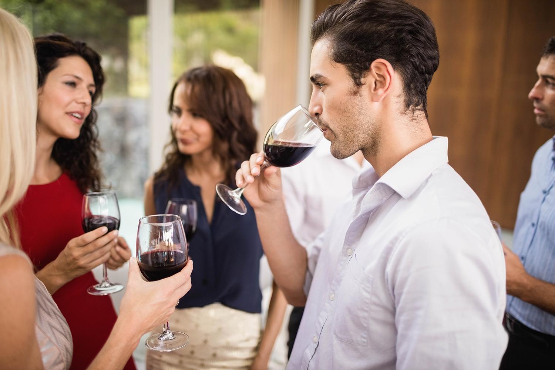 Como organizar uma confraria de vinho?