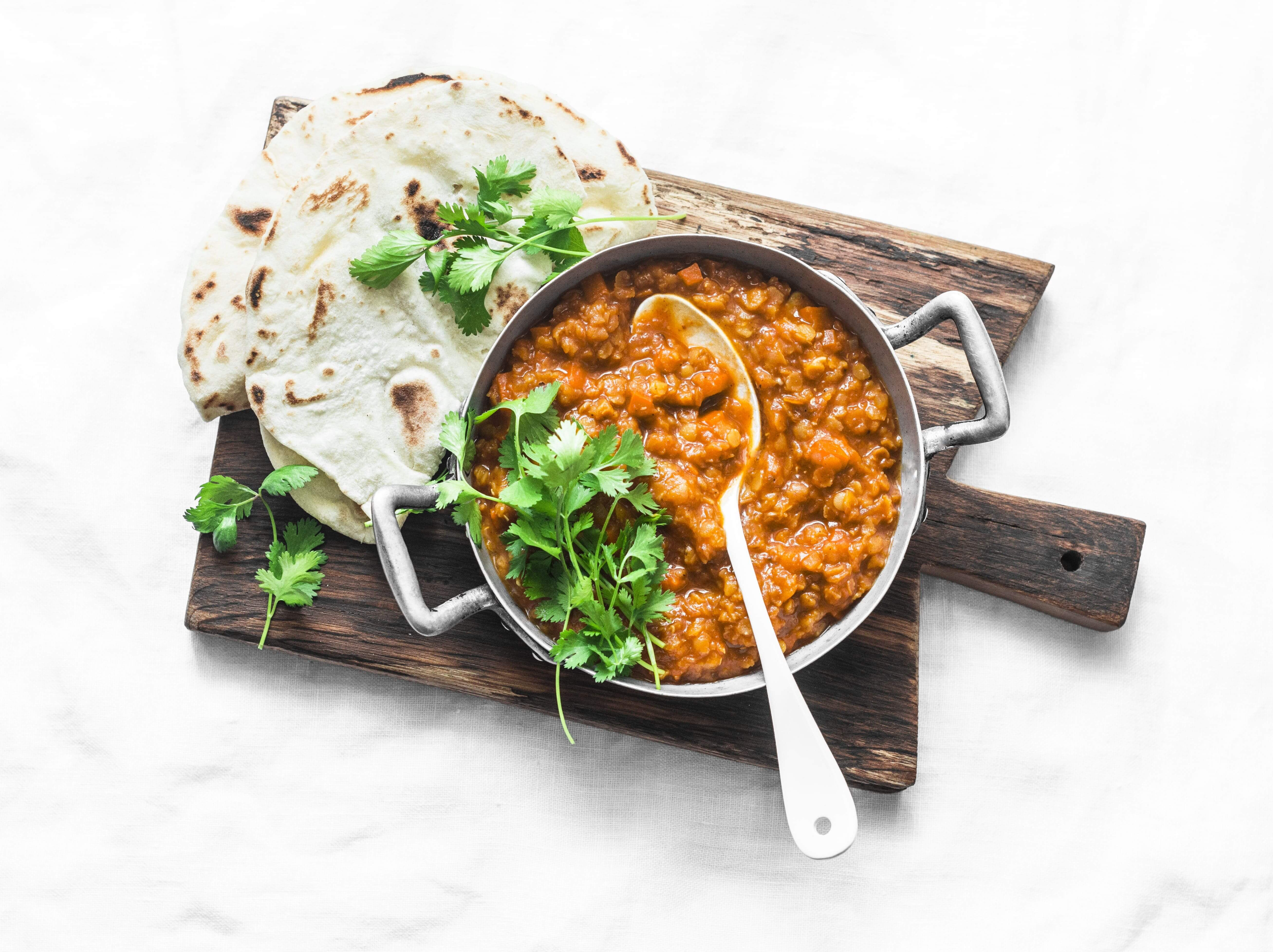 Curry de Lentejas y Pan Naan