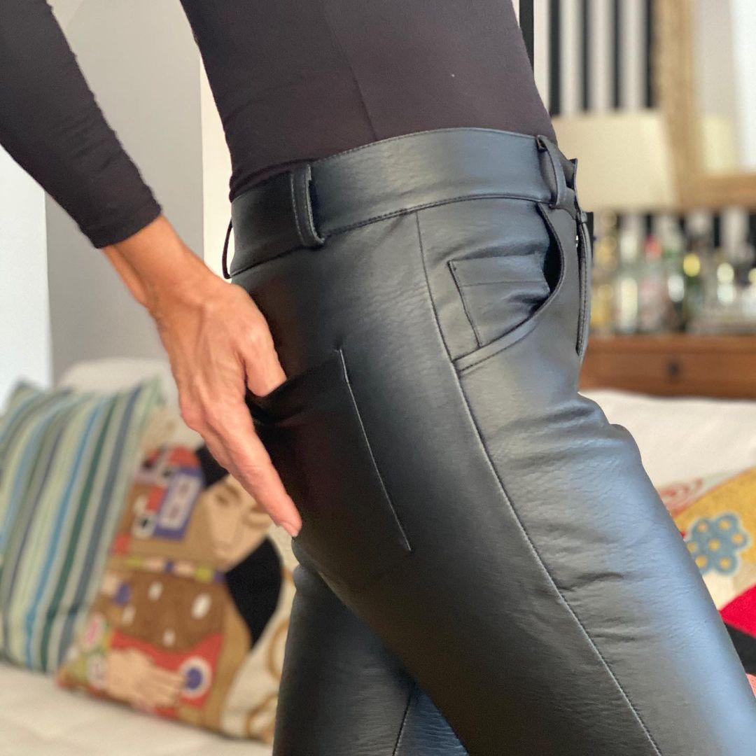 Pantalón Negro- Image 1
