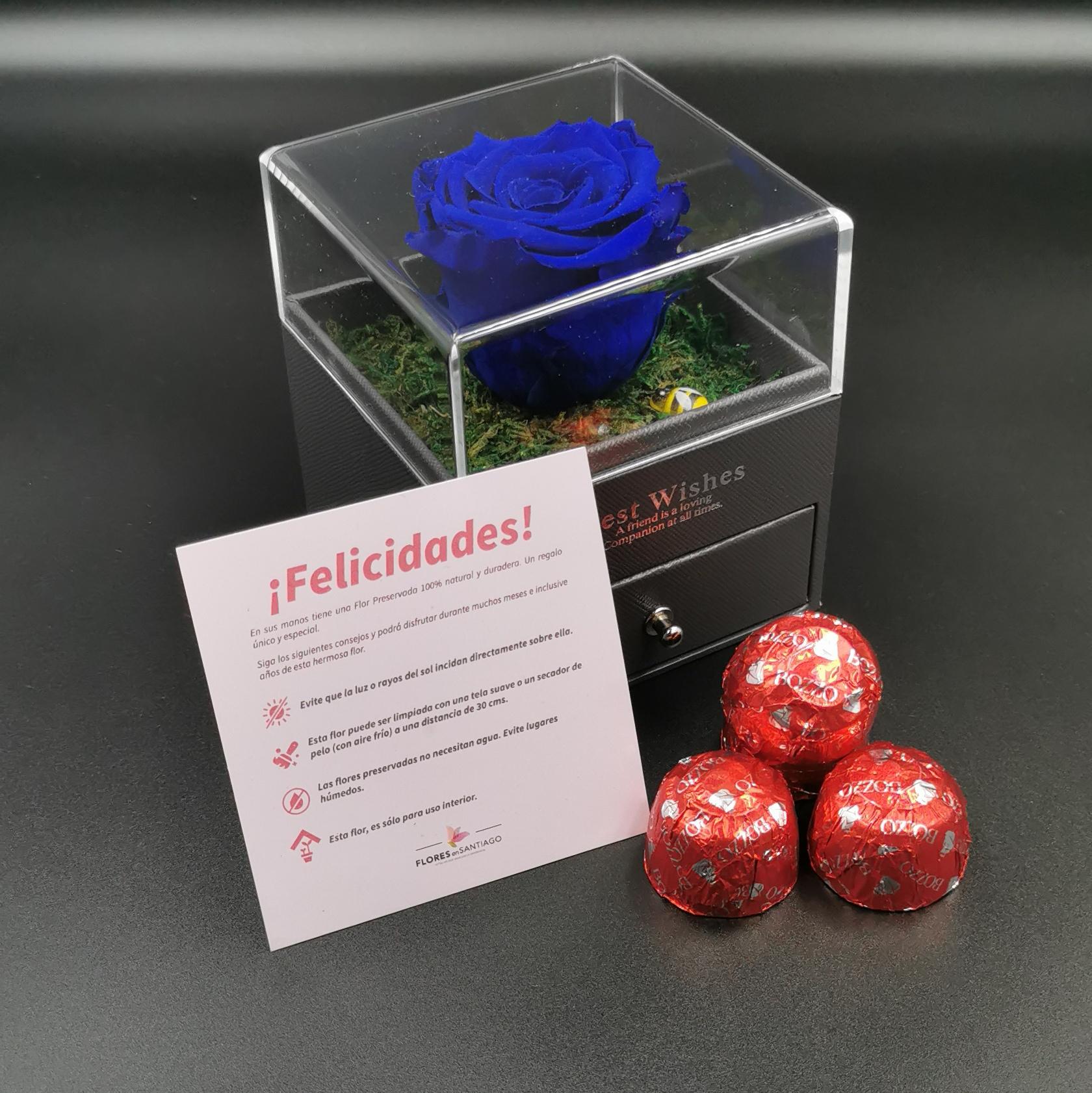 Box con Rosa Preservada Azul y Bombones