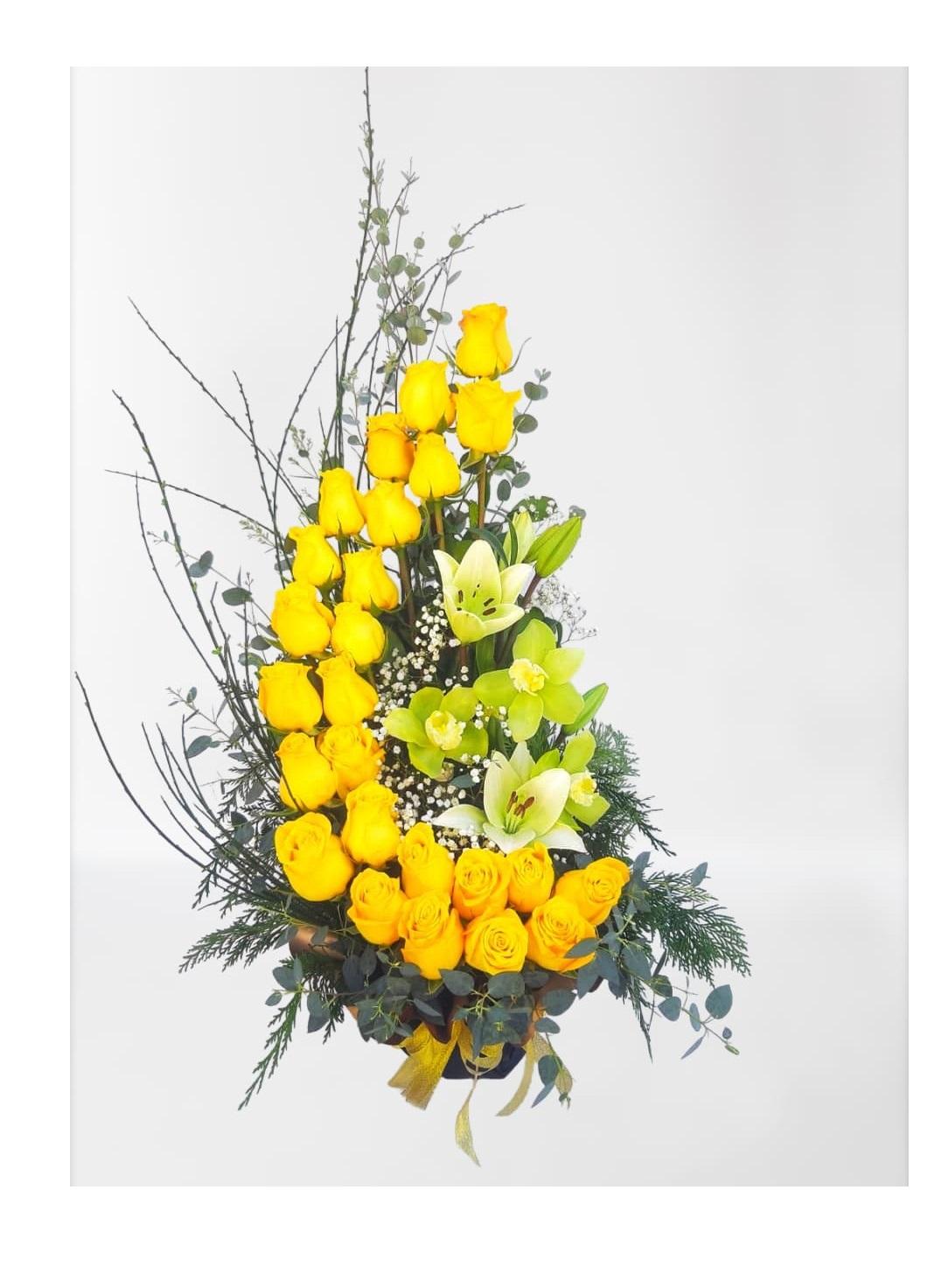 Caracola doble de 25 rosas y liliums