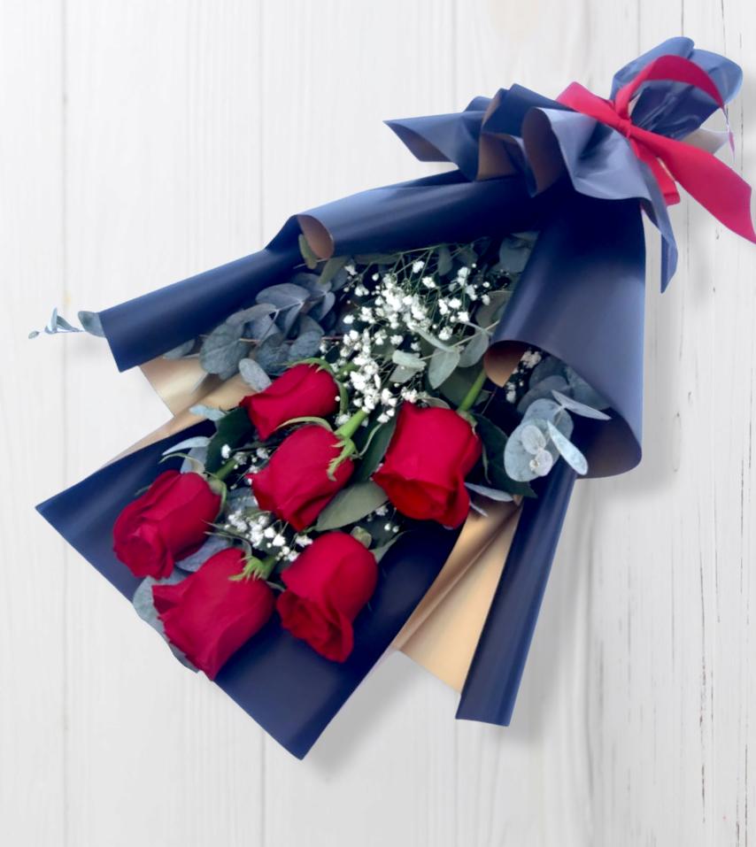 Ramo de 6 Rosas en Elegante Papel Negro