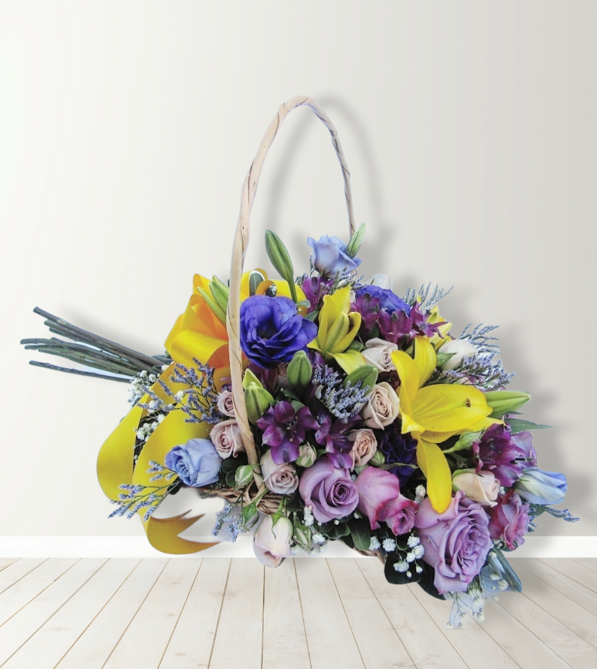 Cesta con flores mixtas