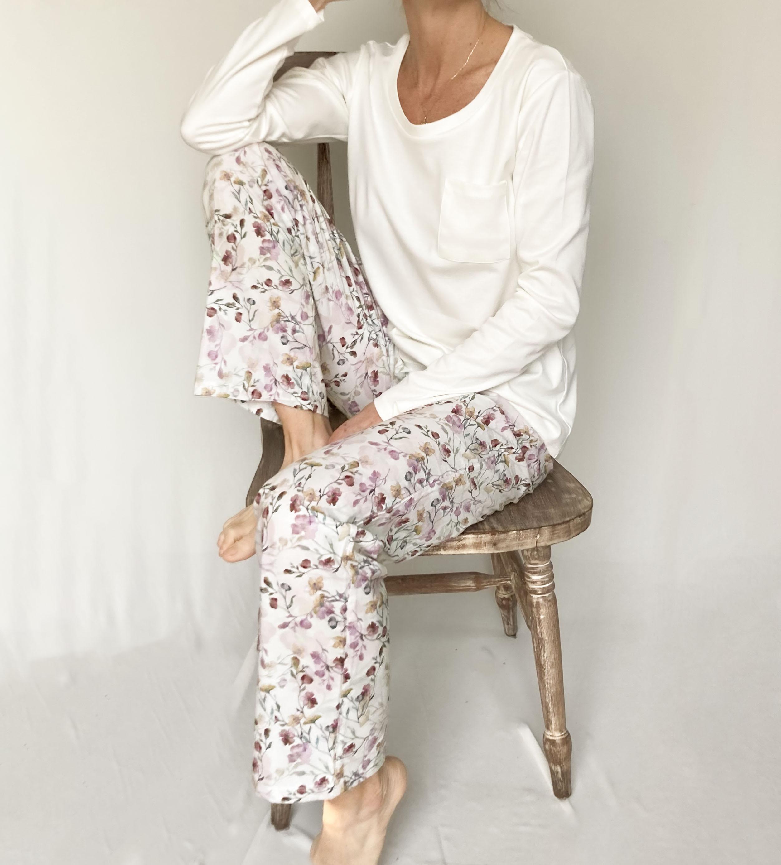 pijama polera y pantalón estampado