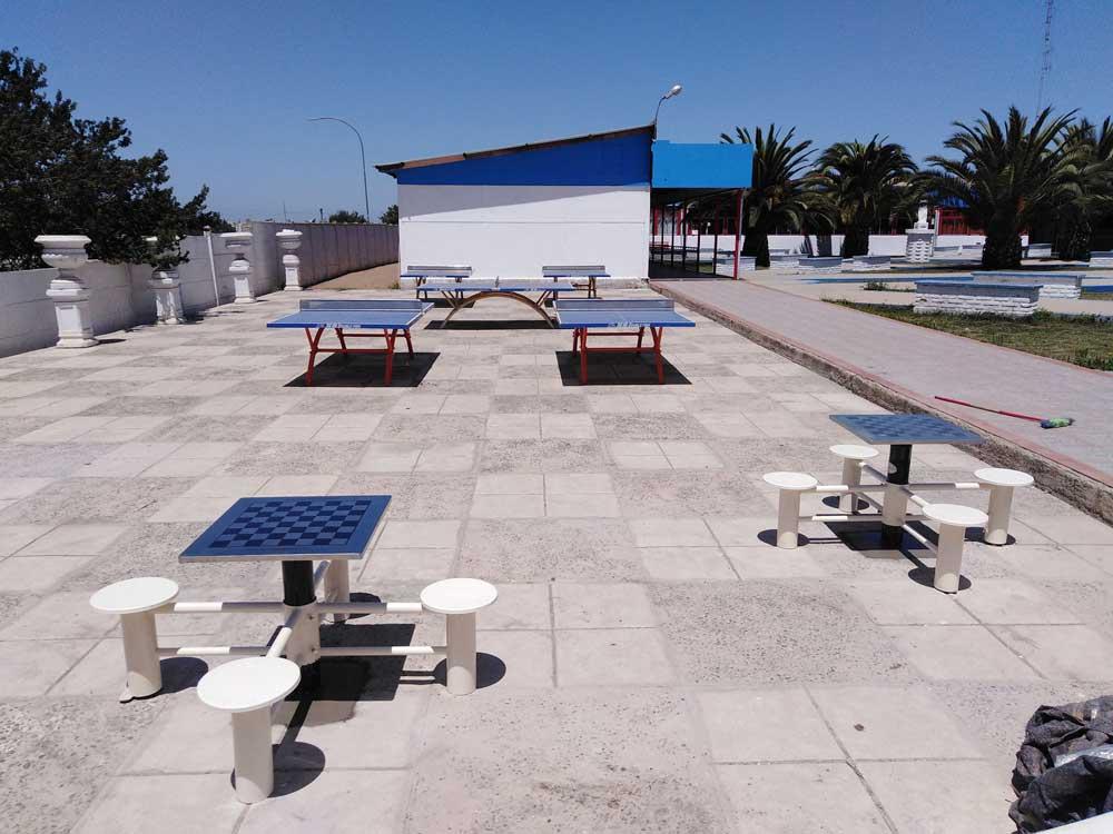 Mesas de ajedrez empotradas + Mesas de tenis de mesa empotradas - comuna de Cartagena