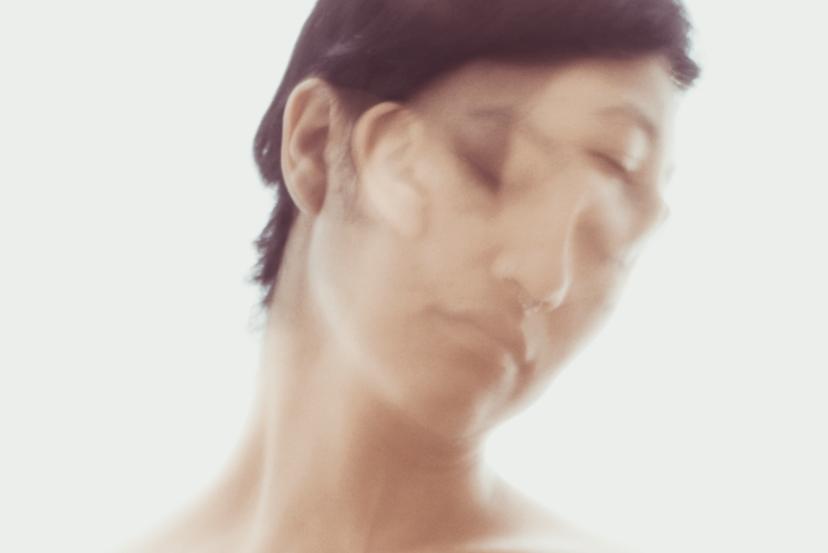 Sr. Maniquí presenta Ábrete Sésamo, su segundo y más reciente trabajo discográfico inspirado en la poesía de mujeres ecuatorianas.