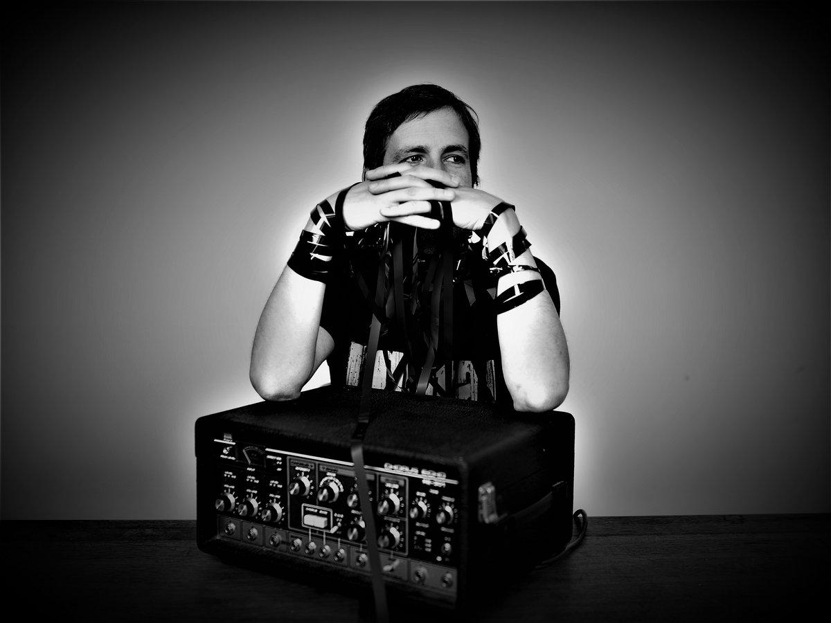 El sonido del desierto en una nueva colaboración entre Deadbeat y Martín Bakero